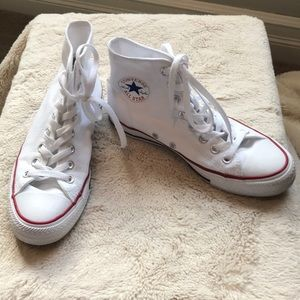 Converse high tops in white. Sz M6.5 W8.5
